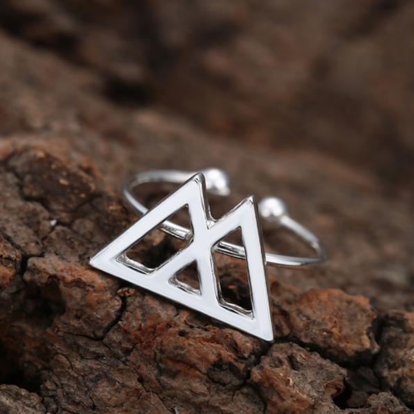 Symbolisch cadeautje ring met speciale betekenis voor kracht - symbool bergen - ingspire