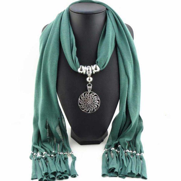 Koop deze bijzonder mooie symbolische sjaal met hanger in de kleur zeegroen - ingspirel