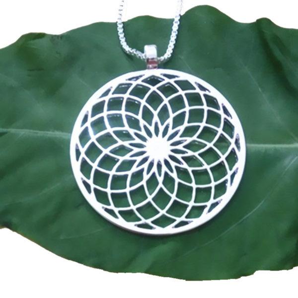 Draag deze zilveren Zonnebloem ketting voor geluk en veerkracht