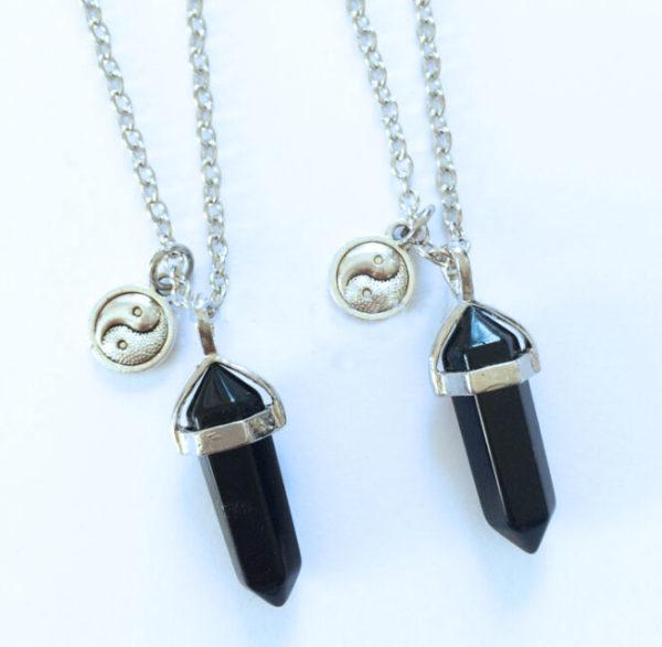 Pendelketting met zwart kristal met yin yang hangertje voor balans!